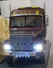 RC-Mack mit 2 Motor 12V