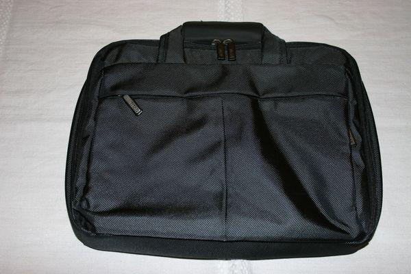 Laptoptasche der Marke Titan neuwertig