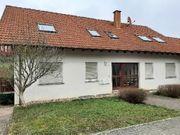 Dachgeschoßwohnung 3ZKB im Vierfamilienhaus Niederstaufenbach