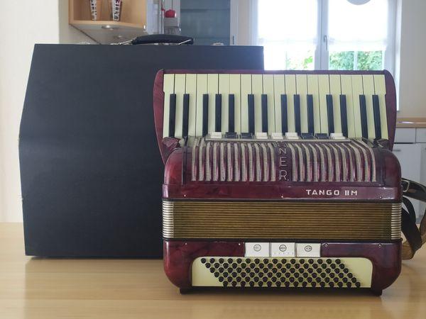 Akkordeon Hohner TANGO II M