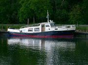 Wohnschiff Rheinschiff Sportboot Nähe Speyer
