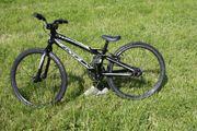 BMX-Rad mIt ohne Schutzausrüstung
