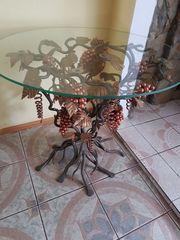 ein schmiedeeiserner Tisch Traube künstlerische