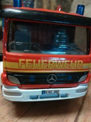 Siku Feuerwehrauto mit ausziehbarer Drehleiter