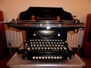 Antike Mercedes Schreibmaschine