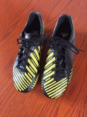 Fußball Schuhe von adidas Größe