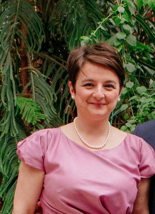 43jährige Sucht Beziehung Mit Charmantem Mann In Wien Sie Sucht