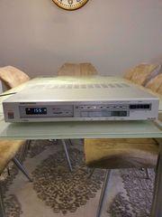 Grundig T7200 FM-AM Tuner Radio