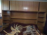Doppelbett mit Überkopfschrank Stauraum Wunder