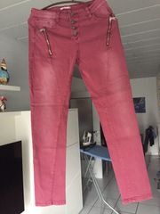 Jeans rot
