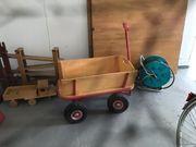 Bollerwagen aus Massivholz