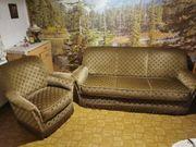 Couchgarnitur mit 2 Sesseln und