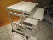 Computer-Tisch mit mehreren Ebenen