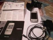 Handy Nokia 5230 mit Navi