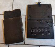 2 Hüllen und 1 Tastatur