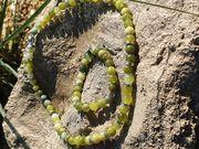 Kette und Armband aus Jadeperlen