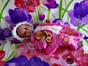 süße knuffige Baby Puppe von