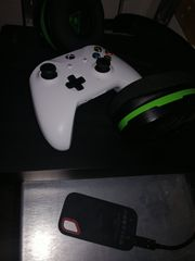 Xbox one X mit zubehör