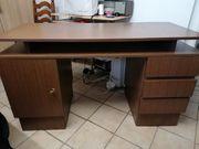 Alter Schreibtisch