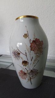 Vase mit Goldrand