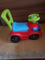 Auto schieben und sitzen