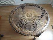 Runder Tisch mit Glasplatte