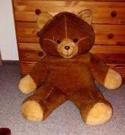 sehr großer Teddybär zu verschenken