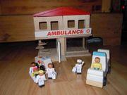 Puppenstube modern und umbaubar Holz-Puppenhaus-Krankenhaus