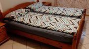 Doppelbett m Lattenrosten Matratzen und