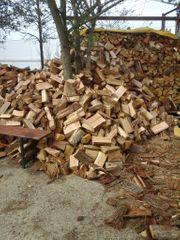 Brennholz Feuerholz Buche Eiche gespalten