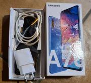 Samsung A70 mit Samsunghülle