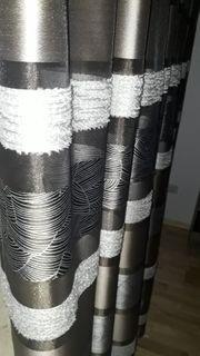 Hochwertiger Vorhang in verschiedenen Braun-