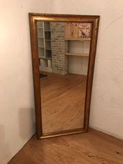 schöner alter Spiegel