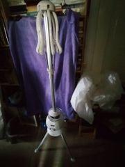 Wäschetrockner mit Gebläse und Haube
