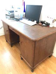 Schreibtisch alt