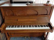 gutes gebrauchtes Klavier