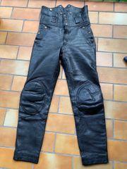 Schwarze Leder-Motorradhose von Hein Gericke