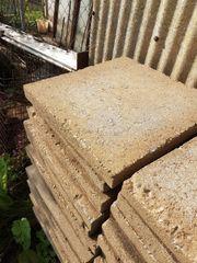 Betonplatten Pflastersteine gegen Spende abzugeben