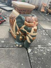Elefanten Pflanzenständer aus Keramik