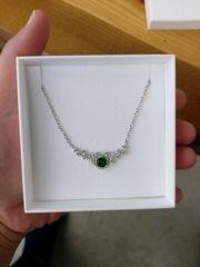 Echte Silberkette mit Grünem stein