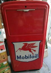 Ölkabinett von Mobiloil Baujahr 1955