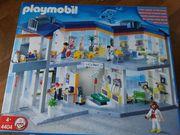 große Playmobil Klinik 4404