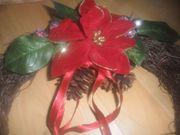 Weihnachtskranz mit Blumen