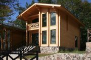 Holzhäuser aus Leimbinder
