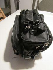 Fahrrad Gepäckträgertasche mit reflektierenden Seitenstreifen