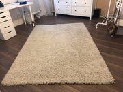 Schöner Hochfloor-Teppich