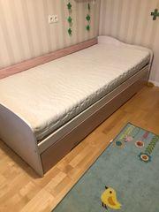 Einzelbett mit Gästematratze