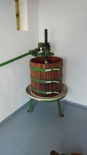 Obst- bzw Weinpresse