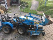 Kleintraktor Mit Frontlader Minitraktor Schmalspurschlepper