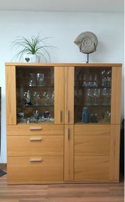 Vitrine Highboard aus massiver Kernbuche